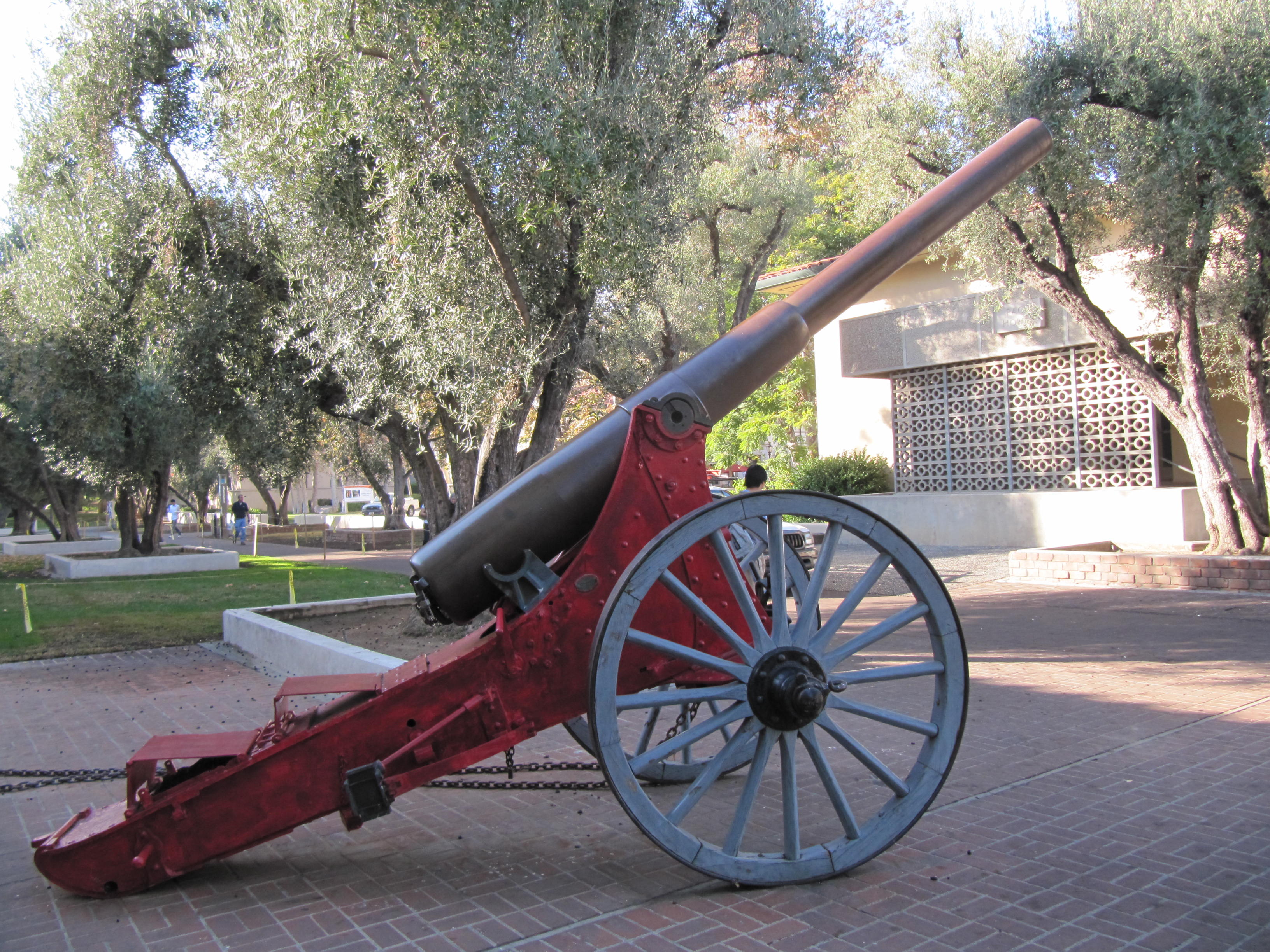 Cal Tech's  Prized Cannon